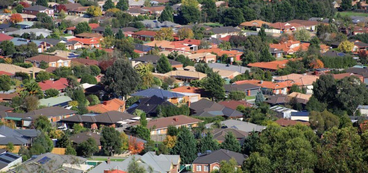 Refinance with a mortgage broker and get into one of Perth's 10 cheapest suburbs